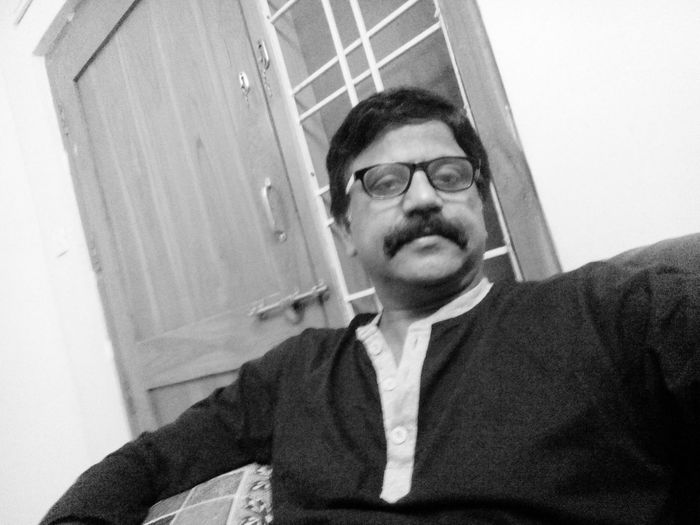 Good Morning✌♥ Happy Monday ! ☺ That's Me Hello World Selfie✌ Selfie Portrait Selfie Black And White Always Smile EyeEmBestPics Enjoying Life Thankful Keep Smiling Through All Odds In Life :) To All Beautiful Friends From India With Love... Have A Nice Day♥