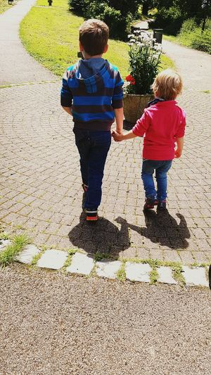 People Together Saturday Balance Enjoying Life Outside Nature Walk Hand In Hand Sister And Brother Linz Family Love♥ My Year My View