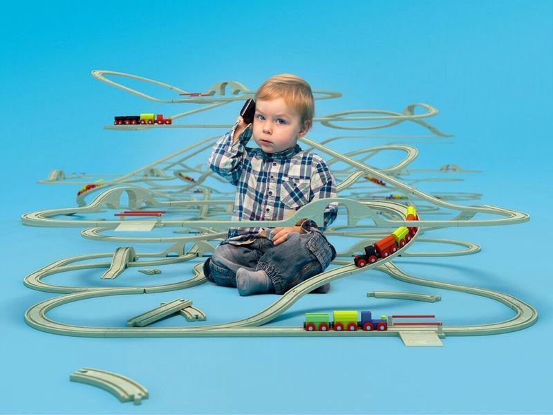 Bei uns streikt die Bahn nie, also nächste mal ruf uns an ;) Model: Luke Fotostudio Friedberg / Bruchenbrücken CGI: 3ds max / corona renderer Kids Train EyeEm Best Shots Brio IKEA