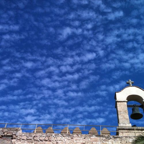 El cielo está emborregado....... Cielo Nubes Campana Muralla Almería Alcazaba Architecture Bells Outdoor Sky Clouds Sky And Coluds Tranquil Scene