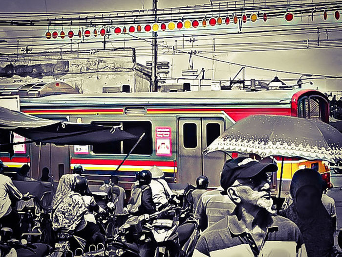 Pasar Bogor Stasiun BogorTaking Photos HUMANITY