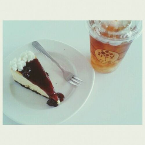 Blueberry Cheesecake & Earl Grey Iced Tea おいしいよ ( ̄▽ ̄)