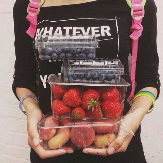 Sweet♡ Love <3 Mmmm☺ Purchases Blueberries Strawberries ♡ Peaches Yummy♡ Summer! ♥