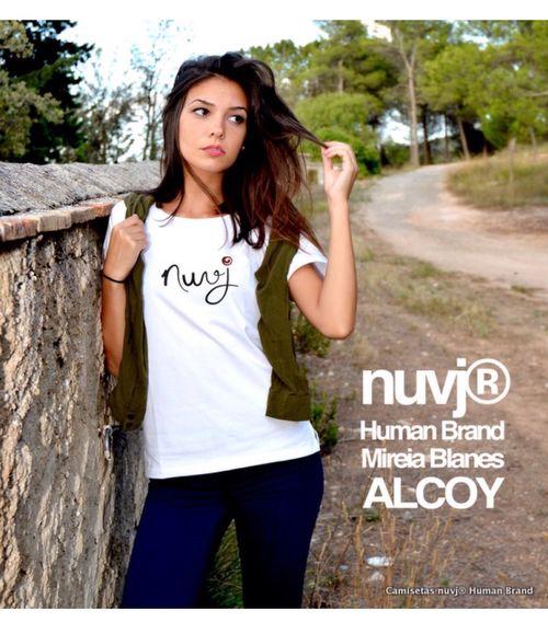 Cuando una camiseta se convierte en parte de ti. Moda Fasion Nuvj Camisetas Nuvj Caligraphy Modanuvj Alcoy Tshirt♡ First Eyeem Photo