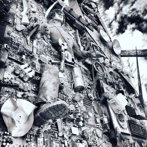 Very interesting horror movie like art at East Jesus, Cali Eastjesus Slabcity Check This Out Taking Photos Bnw_friday_eyeemchallenge Bnw Bnw_life Bnw_collection Blackandwhite Black And White Black & White Black&white Blackandwhite Photography