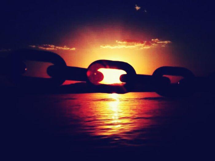 Zincirlerinizden kurtulun. Taken by myself. Chain Sunrise Freedom