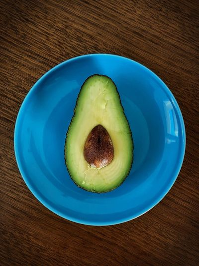 Avocado 🥑🥑 Food And Drink Healthy Eating Still Life Table Wellbeing Food Freshness Directly Above Plate Indoors  Fruit Green Color Seed No People Close-up High Angle View Blue Kiwi Avocado Kiwi - Fruit