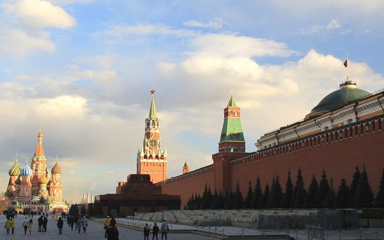 Travel Destinations Architecture Politics And Government Sky Tourism Moscow, Russia Moscow Russia Kremlin Architecture Russia Red Square Moscow Red Square Day Kremlin Red Star Kremlin Complex Outdoors Cloud - Sky Architecture Red City Cityscape
