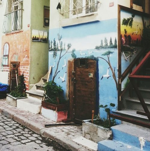 Hello World Taking Photos Istanbul Turkey Turkey Oldiesbutgoldies Blue Wall Wallart