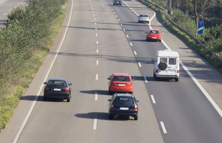 tailgating on a three-lane autobahn - oberhausen, germany A42 Air Pollution Autobahn Car Commuter Danger Driving Freeway German Germany Highway Highways&Freeways Land Vehicle Mode Of Transport NRW Oberhausen Pollution RISK Road Ruhrgebiet Speed Tailgating Three-lane Traffic Transportation