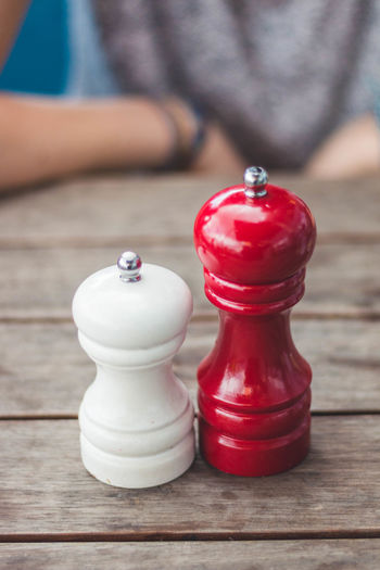 sweet Couple Couple Love A New Beginning Adult Board Game Chess Chess Piece Close-up Focus On Foreground Food And Drink Game Hand Human Body Part Human Hand Indoors  Knight - Chess Piece Leisure Activity Leisure Games One Person Red Relaxation Strategy Sweet Couple Table Wood - Material