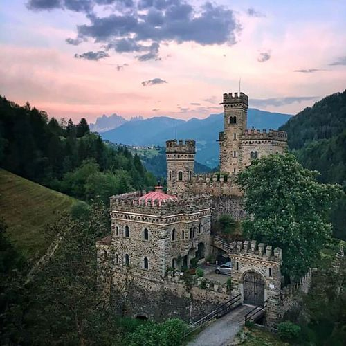 History Medieval Sunset Ancient Travel Destinations Architecture Business Finance And Industry Building Exterior Castle No People Outdoors Tree Day Sky Objekt Gebäude Architektur Followforfollow Beauty In Nature Castel Burg Landschaft Wald