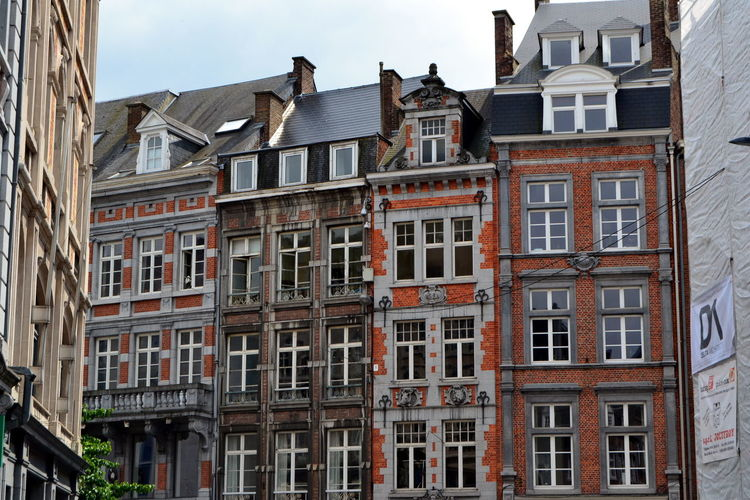 Namur Apartment Architecture Building Building Exterior Built Structure City Day House In A Row No People Outdoors Residential District Row House Side By Side Street Town Travel Destinations Window