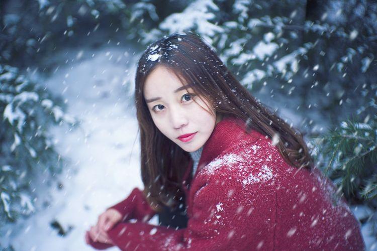 初雪❄️ Nikonphotography Snow The First Snow Celebration Winter The Portraitist - 2017 EyeEm Awards Portraitist