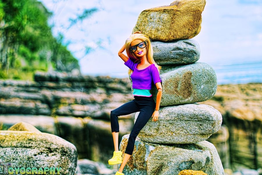 Felicia stops to pose while hiking through Noosa National Park. Toyographykr3w_felicia Toyography Noosa Sunshinecoast Hellsgates Barbie Barbiestyle Barbiecollector Hiking Fitness Fit Great Southeast
