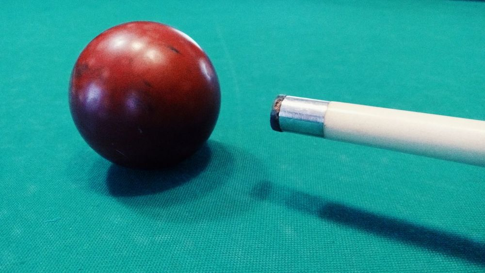 Indoors  Table No People Green Color Close-up Pool Table Pool Ball Day бильярд шар удар игра Game
