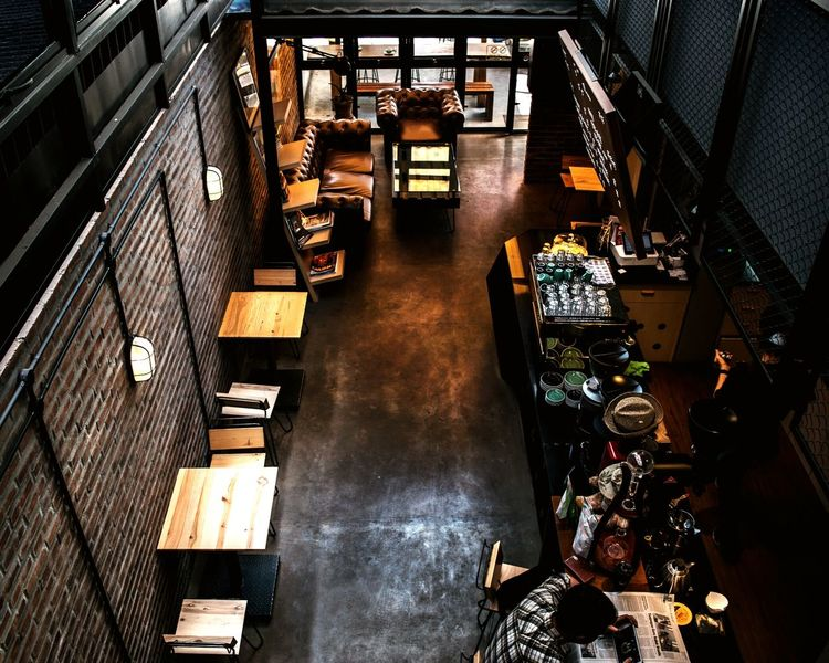 Architecture Chilling Relaxing EyeEmNewHere Coffee Shop EyeEm Selects Travelling Street Photography Street Life Coffee Shop Scene Coffee Shop Hoppin Space Exploration Interior Design Interior Views Architecture_collection