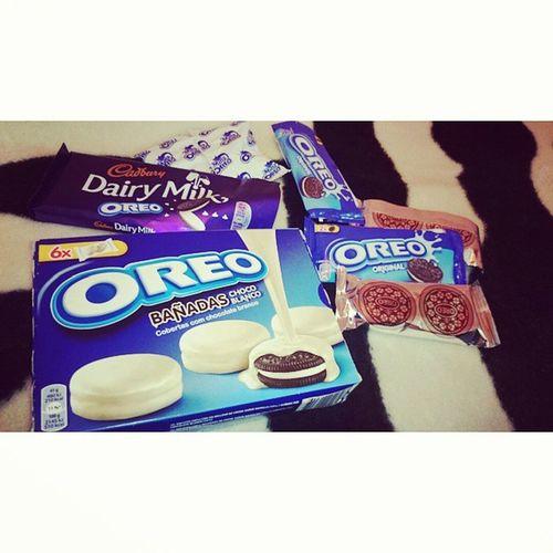 Apparently my sister knows what I like ?? Birthday Present Oreo Cadbury chocolate @dorip89