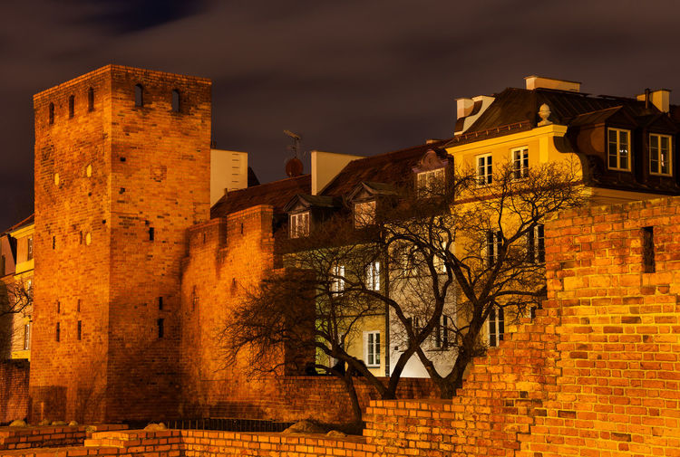 Old Town at night in Warsaw, Poland Warsaw Architecture Building Exterior Built Structure Building History Night Wall City Fortified Wall Fortification House Home Europe Old Town Capital Cities  Historical Building Historic Historical Poland Warszawa