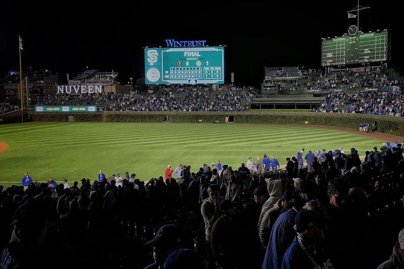 Flythew Chicago Cubs  Baseball