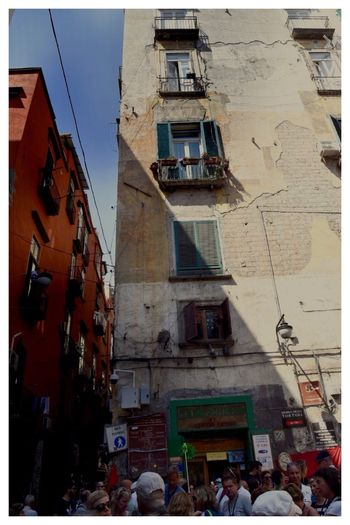 """""""Neapel sehen und sterben, frei nach J.W.v.Goethe"""" Italy❤️ """"Neapel Sehen Und Sterben… Frei Nach J.W.v.Goethe"""" Architecture Building Exterior Built Structure Outdoors Large Group Of People Real People Colour Your Horizn Day Men City Sky People"""