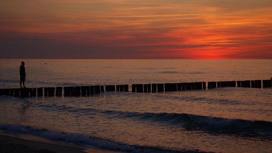Beach Idyllic Nature Scenics Sea Sky Sunset Walking Walking Alone... Water Olympus OM-D E-M5 Mk.II M.zuiko 12-40mm F2.8 Pro Olympus On The Way Lost In The Landscape