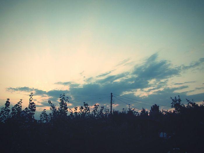 наедине с природой облака небо прекрасный вечер дорогадомой вечер Evening No People Nature Beauty In Nature Beautiful Nature Beautiful Природа красота
