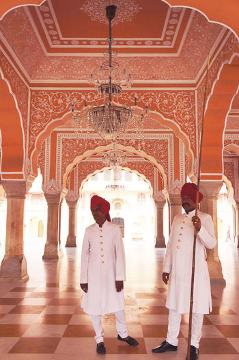 2012 Architecture Citypalace Guard India Jaipur Men Palace People Pinkcity Security Standing Traditional Clothing Two People いんf してぃぱれ ジャイプル ピンクシティ 宮殿