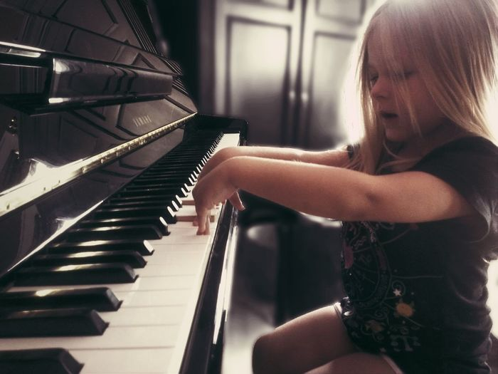 Portrait Hands On EyeEm☆children Piano