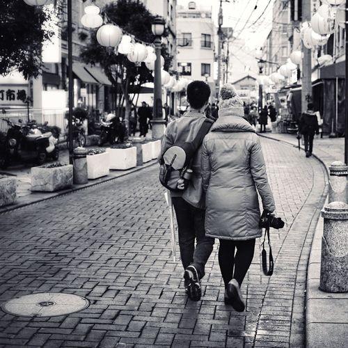 "Walkers Couple urban filter plus On The Streets Black And White Monochrome_Monday Good night EyeEm_crew / Panasonic LUMIX GX1+ 50mm prime lens My Unique Style ""futari no aida"""