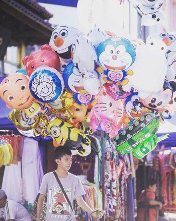 Balloon Seller Gaya Street - Kota Kinabalu , Sabah Gayastreet Kotakinabalu Sabah Negeribawahbayu Tourism Malaysia Reflexsology Market Pasar Vscomalaysia Vscography VSCO
