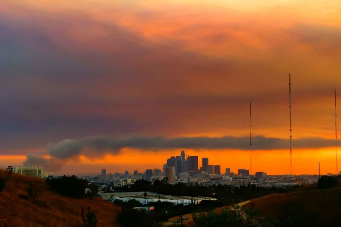 Armageddon day...🔥🔥 DTLA Los Angeles Downtown California Fire Smoky Sky Smoky Day RedSky Dramatic Sky Showcase July Summerheat Amazing_captures CaptureTheMoment RedClouds  Dark Sky DarkDay 43 Golden Moments