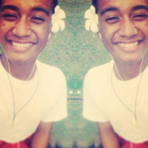 ; my smile has alot of different reason ^_^ Boring day but fun me '* WhiteSei Whitesmile SeiOfLove AwesomeDay