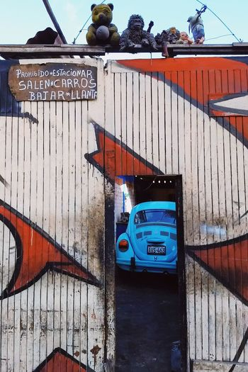 Salen carros VSCO Streetphotography Lima,Perú Sky Close-up Graffiti Spray Paint A New Beginning A New Perspective On Life