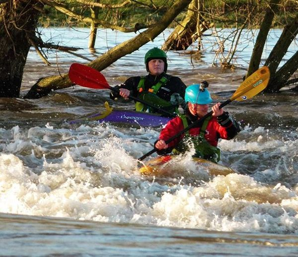 Kayakers at Sawley weir Panasonic DMC FZ72 Photography Photography Kayak Kayaking Watersports Watersport Sport Sports Sawley River Rivertrent Instafollow Follow4follow Follower TagForLikes
