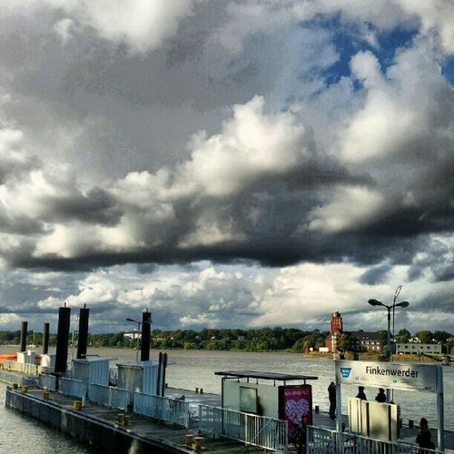 #Finkenwerder #amselcom #welovehh #Sky_collection #Hamburg #Hafen #sky #skyporn #clouds #Cloudporn Sky Hafen Cloudporn Hamburg Skyporn Sky_collection Welovehh Amselcom Finkenwerder Clouds