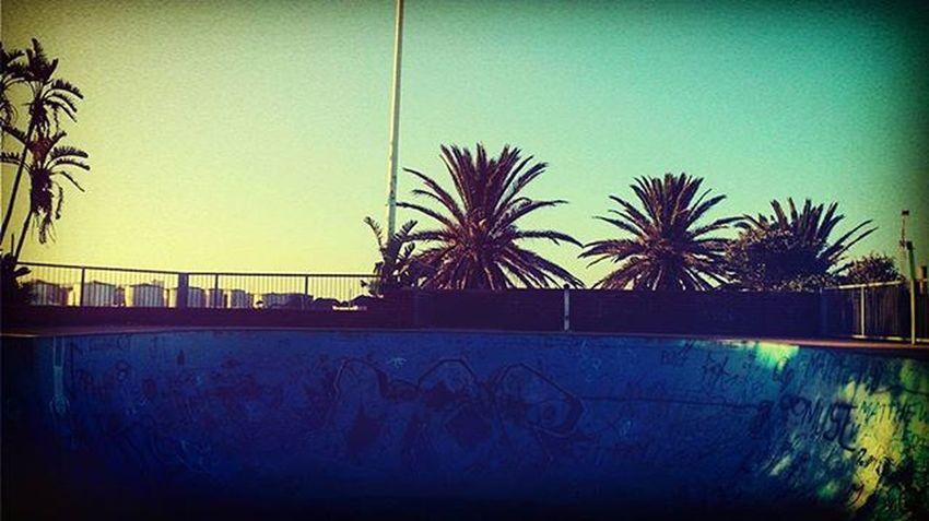 When we smoked in a skate bowl at the beach 🌅✌🚬🌴🍁☀ Beach Portelizabeth Southafrica Chilling Homies Skatebowl Sun Summer Puffpuffpass MaryJane