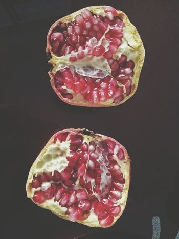 Food Cross Section Pomegranate Healthy Eating Fruit Seed Red No People Indoors  Pomegranate Seed Freshness Close-up Day