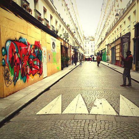 Art De Rue Street Photography Undimanche Iphonography Streetphotography IPhoneography Graphitti Street Art Milotbernadin Paris ❤