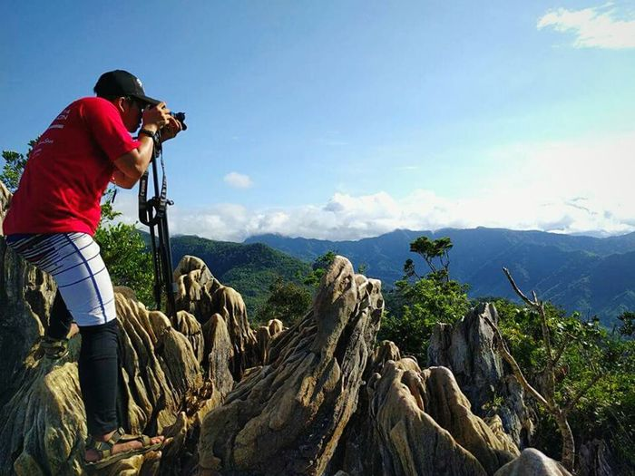 A photographer's fashion Adventure Adventure Time Mountain Hiking Sky Clear Sky Weather Photographer Nature Photography Nature Mountains And Clouds Eyeem Philippines
