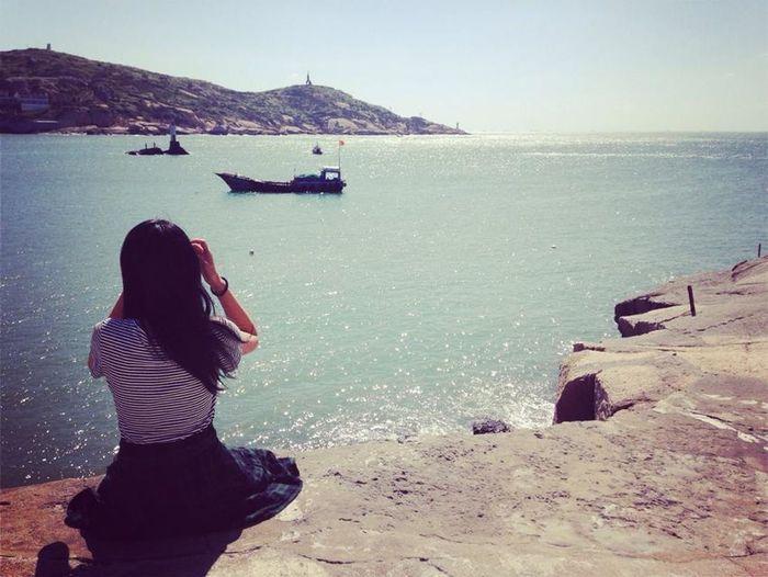 she Hello World Sea Relaxing Friendship
