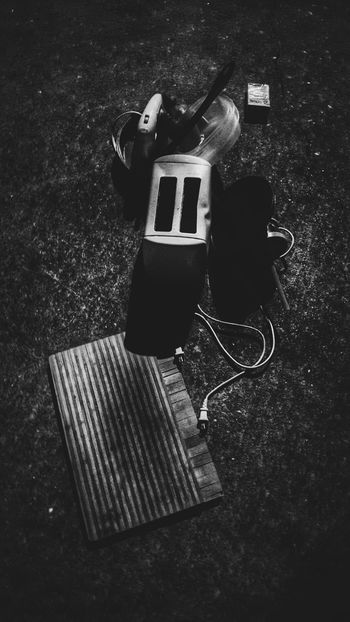Mr Robot Toaster Junk Odds And Ends Street Photography Sidewalk Parts Garbage First Eyeem Photo Appliances Robot
