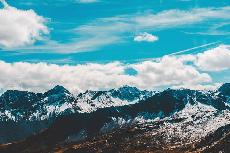 Vida en los Alpes Suizos Swiss Switzerland EyeEm Selects Mountain Snow Cold Temperature Winter Nature Beauty In Nature Snowcapped Mountain Mountain Range Weather Landscape No People Day Majestic Tranquility Sky Tranquil Scene Cloud - Sky Travel Destinations