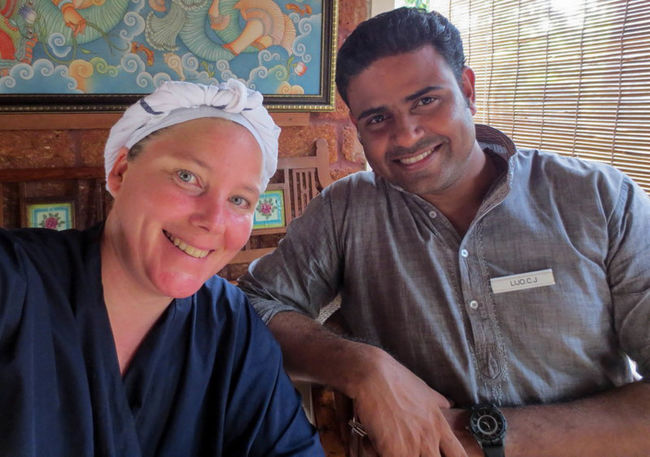 Ayurveda Kur Connected By Travel Happiness India Indian Pupparazzi Travel Travel Photography Ayurveda Ayurveda Cooking Ayurvedic Ayurvedic Medicine Friendship Happiness Indien Looking At Camera Men Portrait Smiling Togetherness An Eye For Travel