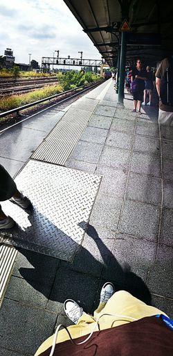 Auf Die Sbahn Warten Schattenspiel  Tempelhof Potemporaer