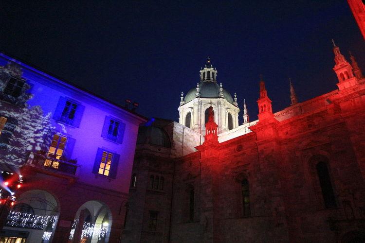 como Duomo Di Como Mypointofview redlight bluLight Church Illuminated Decoration Architecture Christmas2015 Como