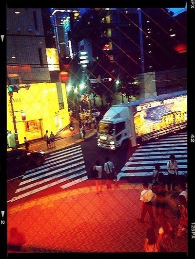 アップルストアきたのに特別営業で6時までだった。がーん。 LOL At Apple Store Shibuya Shopping