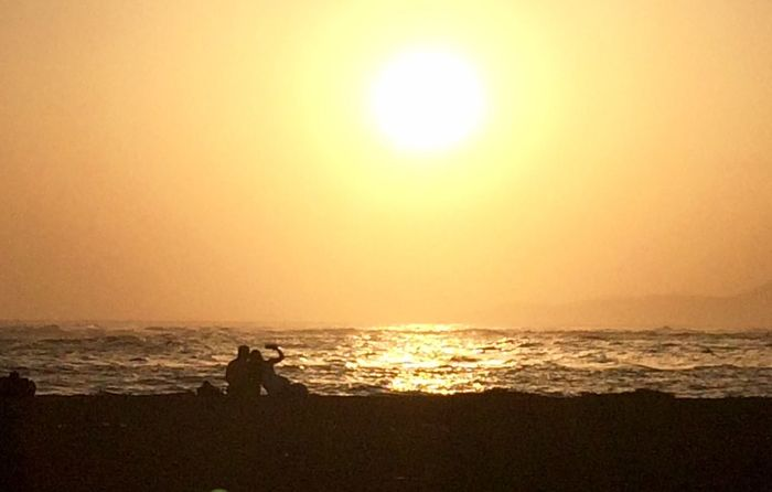 Selfie Sea Sunset Horizon Over Water Beach Sun Orange Color Scenics Beauty In Nature Silhouette Nature Water Tranquil Scene Two People Sunlight Leisure Activity Vacations Real People Tranquility Full Length