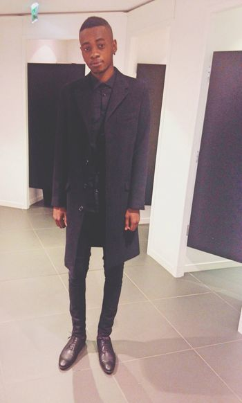 Fashion Model Trench Mode