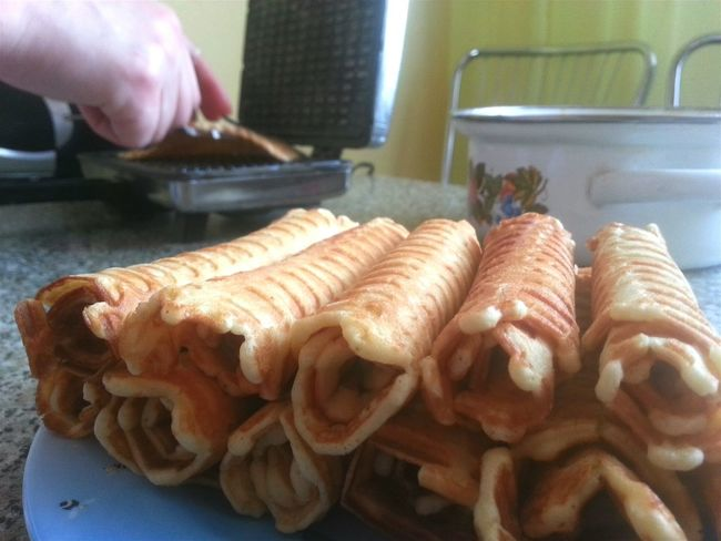 Show Us Your Takeaway! Hi! Hello World Food Yummy Bonappetit Wafers Waffle Time Waffles!! Waffletime Gaufres Wafer Rolls Eat Eat And Eat Goodtime